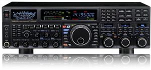 FT DX 5000 O FT DX 5000 HF/50 MHz 200 Watt é o novo topo de gama dos rádios Yaesu com dois receptores independentes da banda amador.