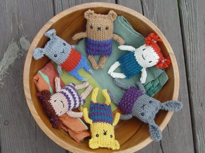 Free pattern for Anything Animals: one pattern, at least four animals! Slight variations to pattern makes longer ears, etc. So cute!