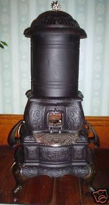 1891 Cast Iron Oil Parlor Stove Wil Heat Light