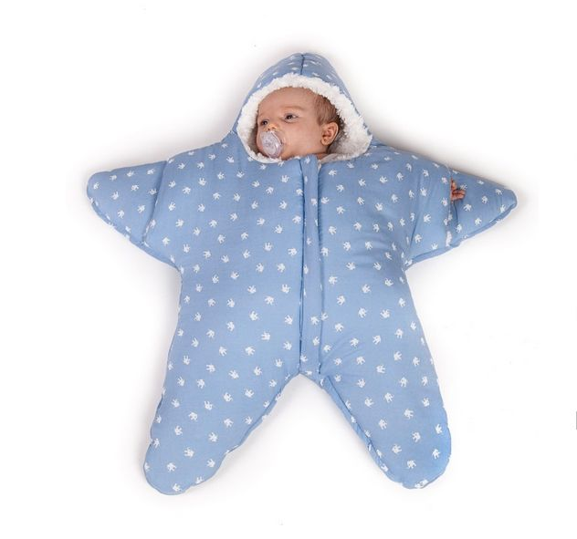 "(74 cm x 70 cm)Star sleeping bag suitable only for ""naughty"" children.It's inner fabric is extra soft and sheltered.A zip will enable an easier access to parents.Perfect for babies till 3-4 monts.Designed by Babybites.¡Sólo apto para bebés gamberros que tengan de 0 a 3/4 meses! El estampado zigzag en color verde mint es de algodón 100%, con un interior suuuper suavecito para que los enanos estén más a gusto que un arbusto. Además, la Estrella de Ma..."
