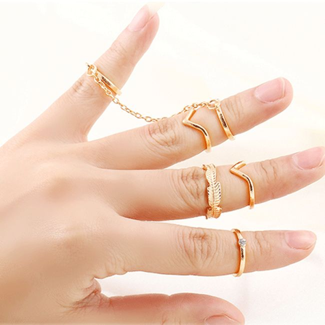 Be beautiful with Bohemian style. 6 ring set shown. Rings vary from 1.3 (midi) to 1.6 (finger) in diameter and fit most fingers. Gold plated metal alloy is nickel free. Free shipping.