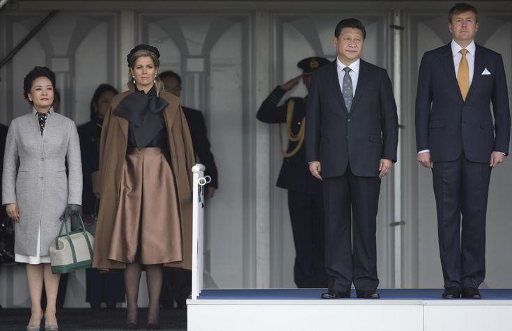 El elegante encuentro de Máxima de Holanda y Peng Liyuan, Primera Dama china y popular cantante