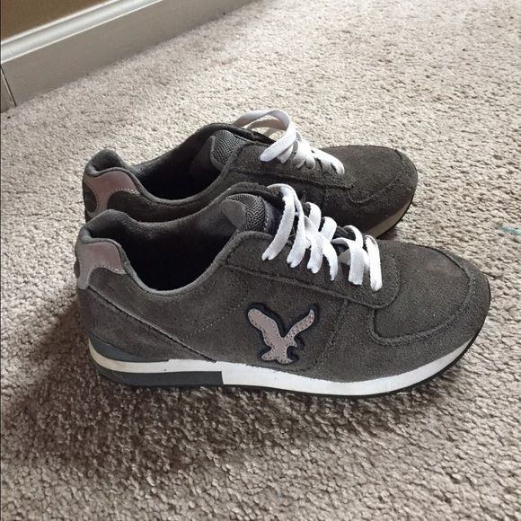 ✨American Eagle RARE sneakers✨ These sneakers are in AMAZING condition!! This sneaker came out in the early 2000s and so very hard to find! Even on Facebook!!! Don't miss out on this rare find!! ✨ American Eagle Outfitters Shoes Sneakers