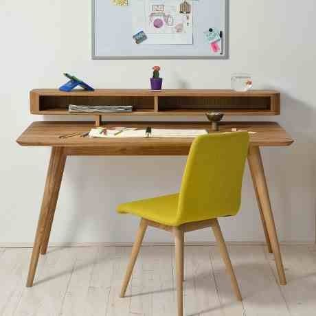 Stafa' desk by Bosnia and Herzigova based designers gazzda
