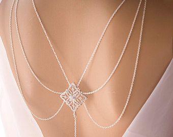 Hochzeitssuite Kulisse Halskette Kristall und Perle von KutyJewelry