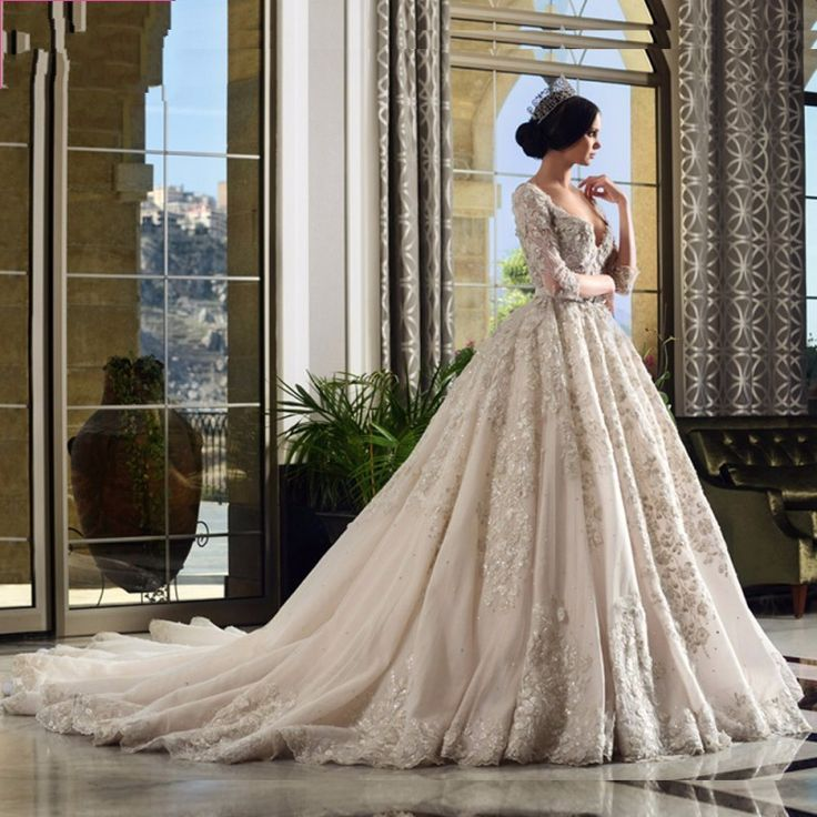 Vestido De Noiva Vintage Crystal Sequined Ball Gowns Wedding Dress 2017 Sexy V Backless Cathedral Train Lace long Sleeve Muslim