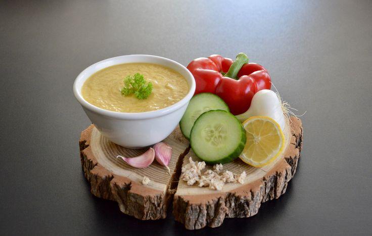 Parfaite pour rafraîchir bébé, la recette de gaspacho concombre – poivron et pain complet pour bébé (Dès 8 mois). On oublie la canicule !