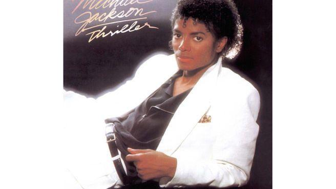 Das erfolgreichste Album der Musikgeschichte, 'Thriller' von Michael Jackson, belegt 1982 erstmals den Spitzenplatz in den US-Charts. Lesen Sie hier unsere Rezension der Platte