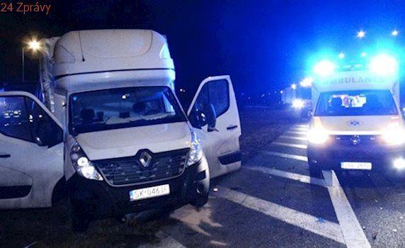 Srážka dodávky s náklaďákem omezila provoz na dálnici D1 u Mirošovic