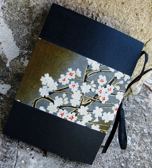 Handmade notebook Material: paper, yuzen washi origami paper