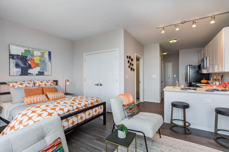 11 Chicago Dream Apartments To Rent Right Now #refinery29  http://www.refinery29.com/available-chicago-apartment-rentals#slide-3  For the last few years, Greektown has been overlooked when it comes to luxury rentals, but Arkadia Tower's 'hood is incredibly convenient. It's right next to 90/94; is a shorter walk to the Loop for downtown commuters; and has a Whole Foods, Mariano's, and Walgreens within a block of one another on Halsted Street. And then there...