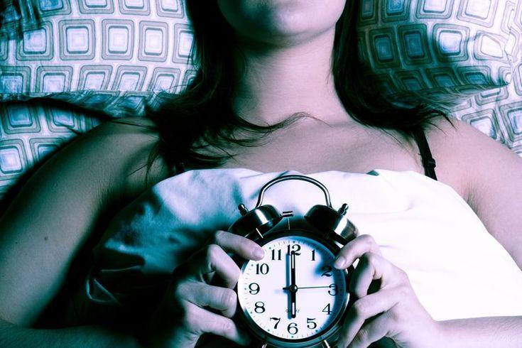 Remedios homeopáticos para el insomnio. Ya sea que tengas inquietud ocasional o un caso crónico de insomnio, el remedio homeopático adecuado puede ser justo lo que necesitas para conseguir un sueño reparador. De acuerdo con el National Center for Sleep Disorders Research, de aproximadamente 30 a ...