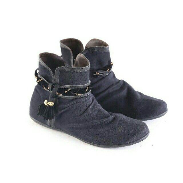 Temukan Garsel Sepatu Boot Wanita - L 588 seharga Rp 196.000. Dapatkan sekarang juga di Shopee! http://shopee.co.id/jimbluk/104159390