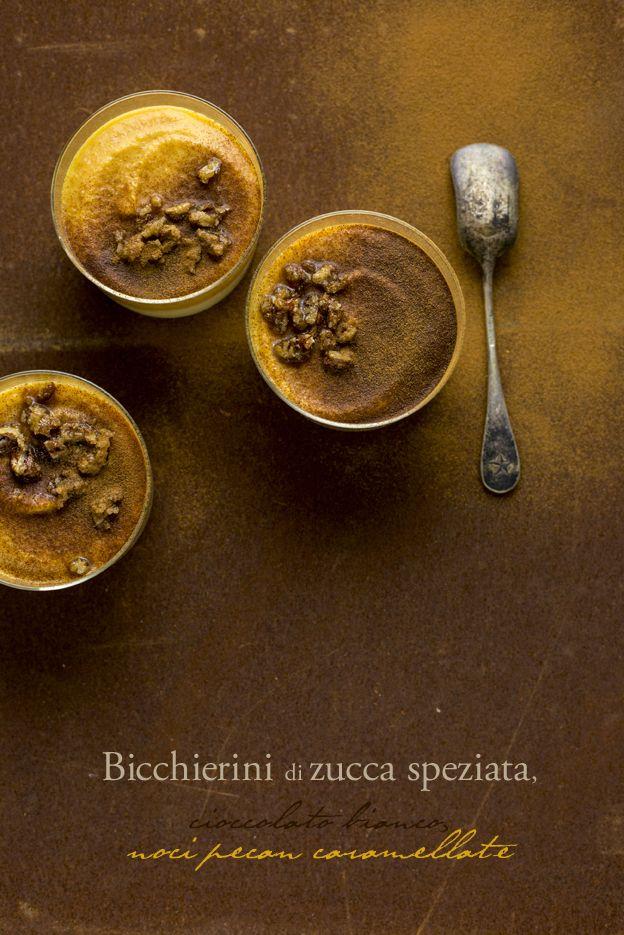 BICCHIERINI DI ZUCCA, CIOCCOLATO BIANCO E NOCI PECAN CARAMELLATE: il dolcino (facile) al cucchiaio per il mese delle zucche!