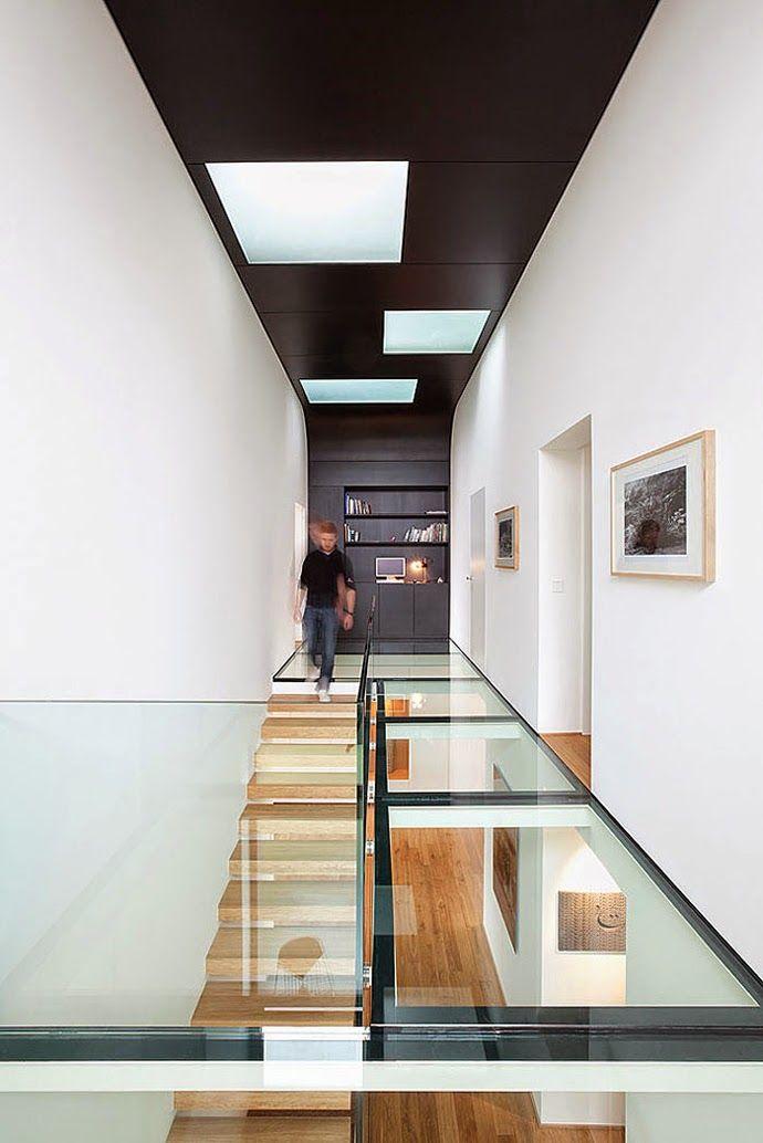 Suelos de cristal en una casa llena de luz diseñada por Metaform | Decorar en familia | DEF Deco