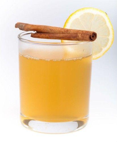 Meleg (de ne forró) vízben jól keverj el két evőkanál mézet, két evőkanál ecetet (lehet almaecet is), két evőkanál citromlevet, és egy csipet fahéjat. Húzd le egyben, és egy órán belül elejét veszed a betegségnek. Próbáld ki, tényleg minden esetben működik.