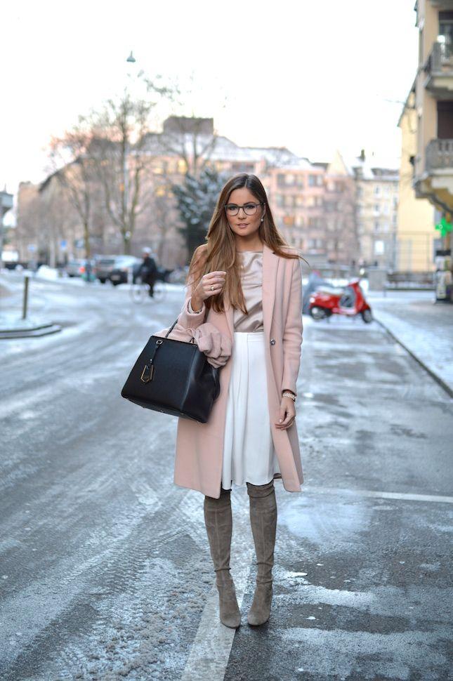 Lara Caspari Winter Pastels