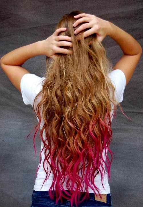 Bottom Streaks | Curly Brown & Blonde Hair With Dark Pink Streaks | #ChloeGraceMoretz #Hair #Colorful