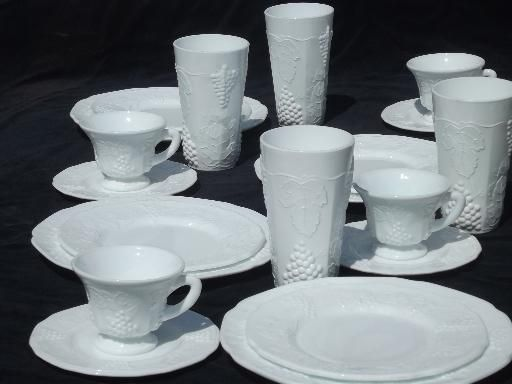 milk glass dinnerware vintage milk glass dishes set for 4 indiana harvest grapes milk