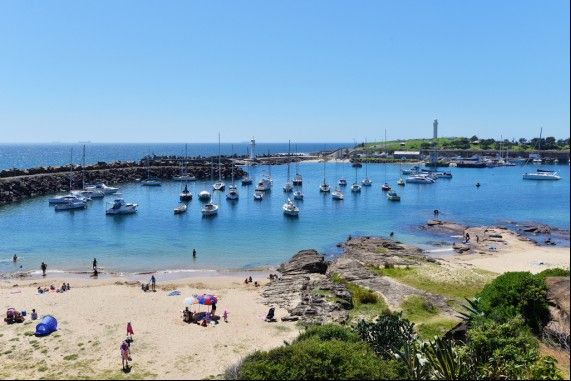 Wollongong Harbour shinning in the sun -