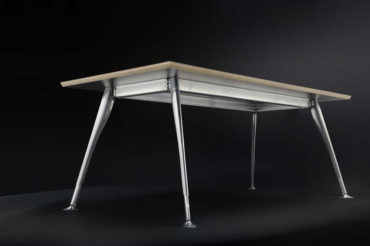 Zenith Interiors: Stiletto Workstation