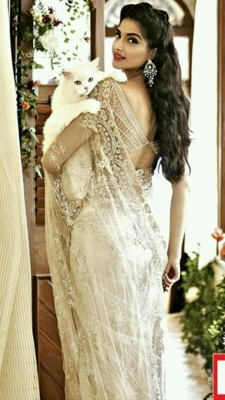 Stunningly beautiful - sonam kapoor