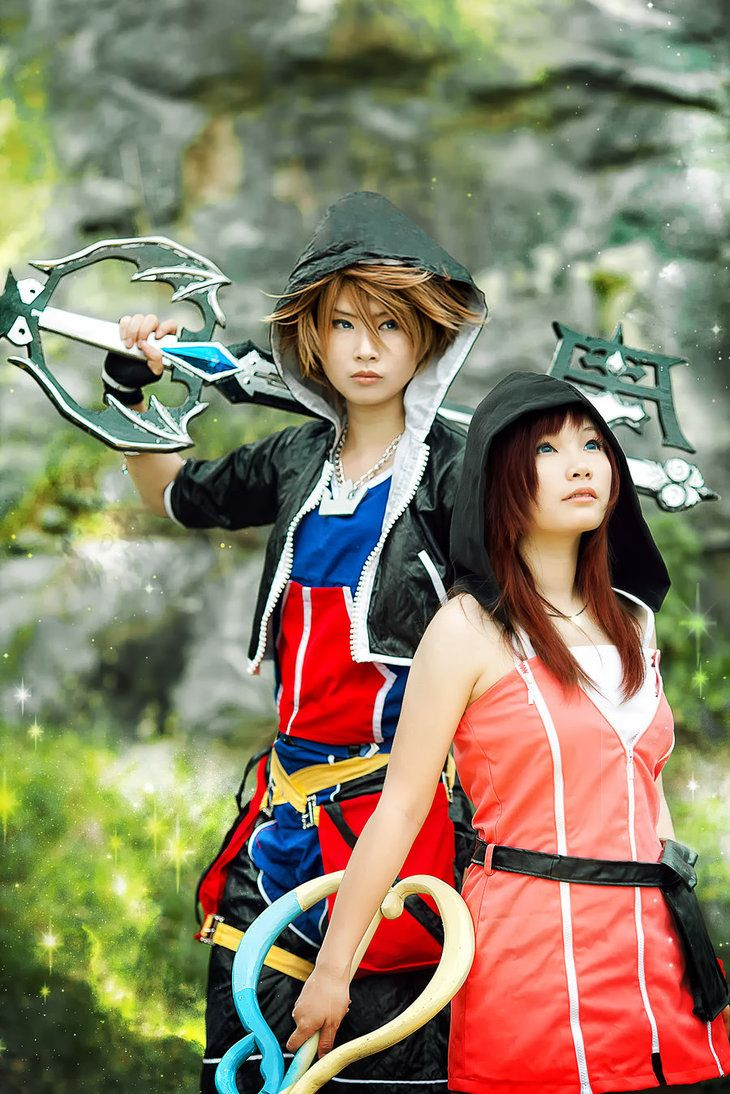 Beautiful Sora and Kairi cosplay! How come every Asian can pull off any cosplay characters!?
