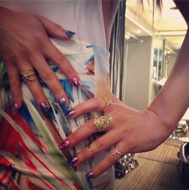 170 best Celebrity Nail Art images on Pinterest | Celebrity nails ...