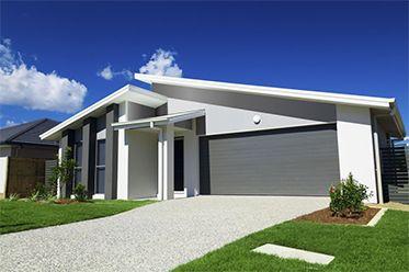 Ja by som chcel asi vstavanú garáž. Potom sa môže človek viac vyhrať s pozemkom :)  http://najlepsiebrany.sk/3-moznosti-umiestnenia-garaze-ake-maju-vyhody/