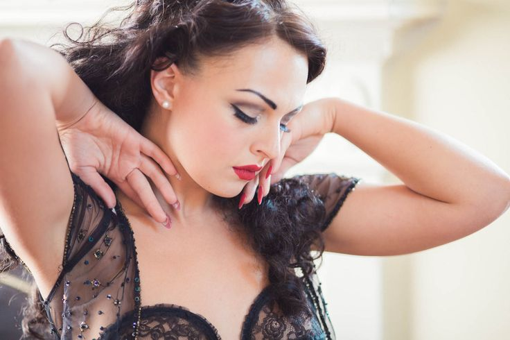 This Boudoir Photography Session Took Place In Ms Charleston Photographer Kate Timbers Captured The Photos