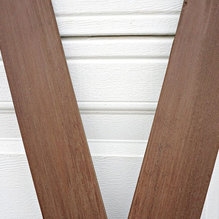 diy-faux-wood-skis-close-up-of-skis-by-snazzylittlethings