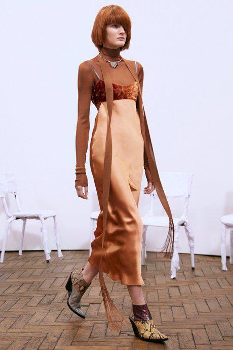 С чем носить  платья-комбинации:  8 модных образов. Изображение № 5.