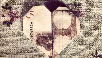DIY Anleitung - ein Herz aus einem Geldschein falten / Tutorial ... fold a heart out of money