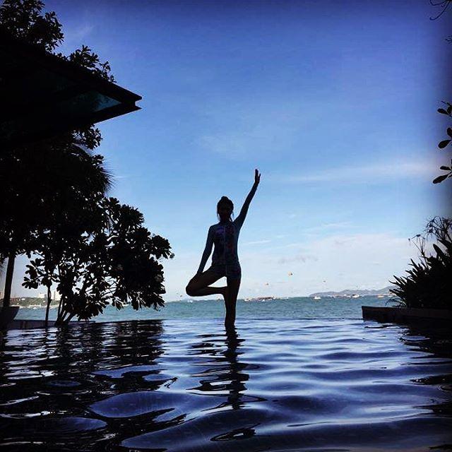 Instagram의 SunmiJin님: 헤헷  오늘이 마지막인 것처럼 놀기여행아니예요출장이예요 #여행스타그램 #지구별여행자 #pataya #파타야#케이프다라 #capedara #놀구싶당
