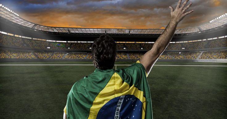Os 20 esportistas brasileiros mais famosos de todos os tempos. Não é só o futebol que é uma paixão nacional. Muitos são os esportes que gostamos e vibramos ao assistir. Vôlei, basquete, natação, UFC, remo, corrida, tênis, salto com vara e, claro, futebol, entre vários outros. É verdade que algumas modalidades acabam virando mania e somente ...