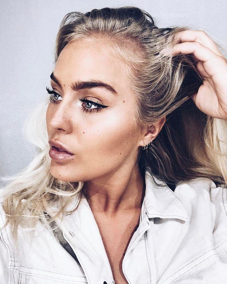"""19.6 k gilla-markeringar, 122 kommentarer - Angelica Blick (@angelicablick) på Instagram: """"When your friend is a kick-ass MUA and make you look fresh AF @mariamroxx 💕✨ @macprostockholm…"""""""