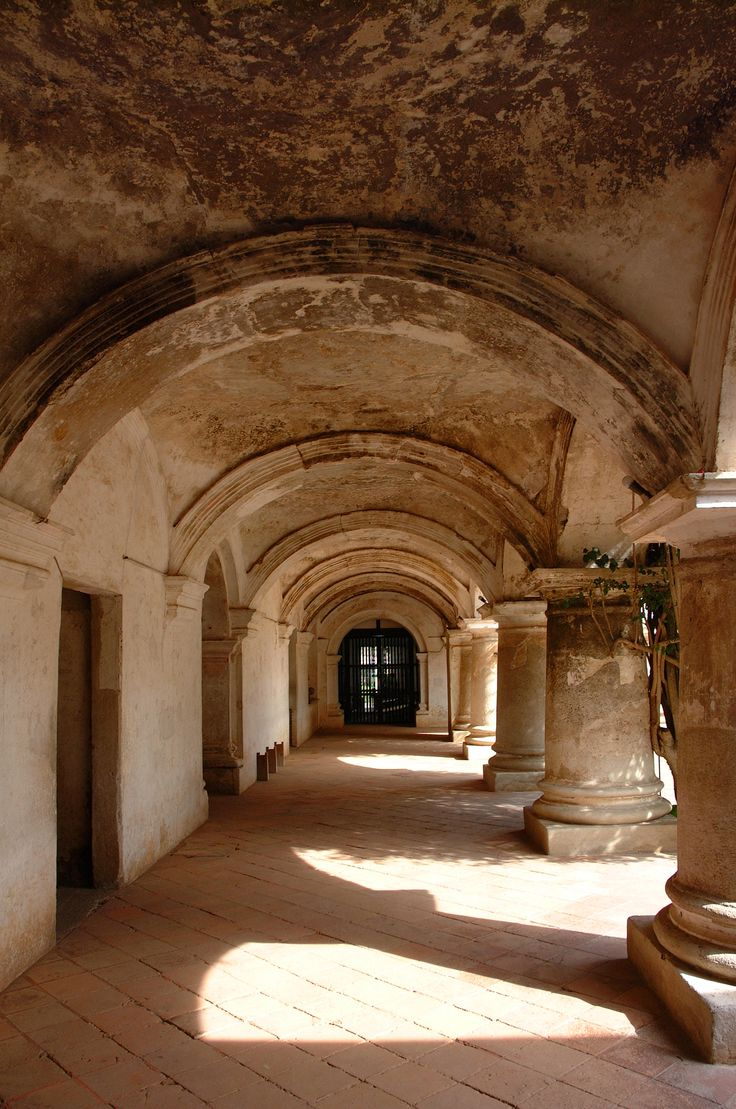 Convento Capuchinas, Antigua Guatemala - http://www.visitguatemala.com/multimedia/fotografias-en-alta-resolucion#