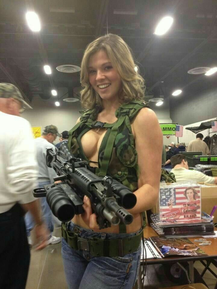 with guns girls Amateur