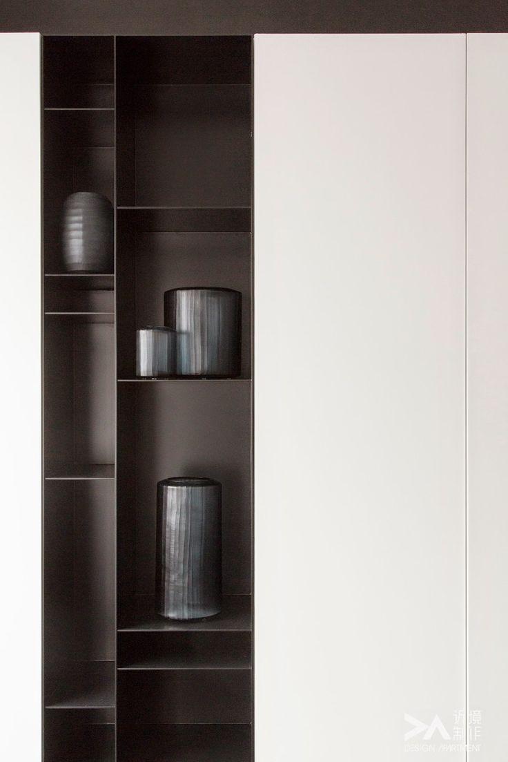Vertical steel shelf