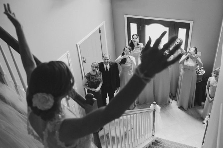 That moment when the bride is ready and her parents and bridesmaids see her for the first time #purehappiness #weddings