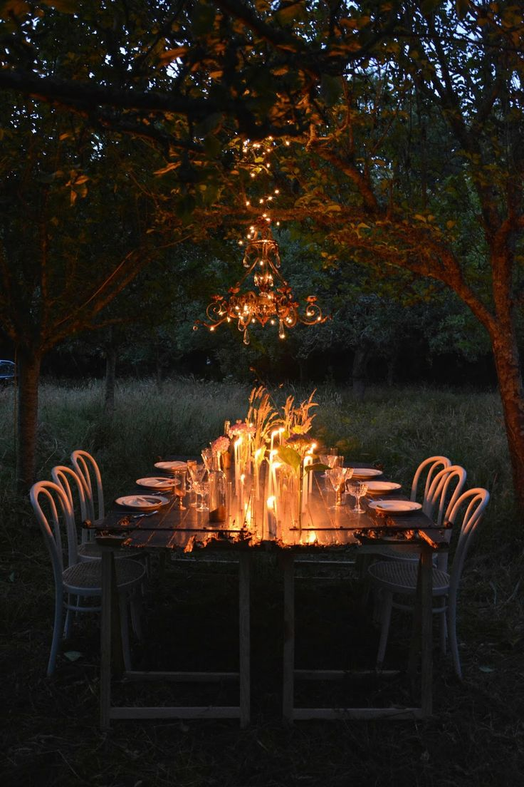magical candle lit dinner // tadam studio for lovelyday.be