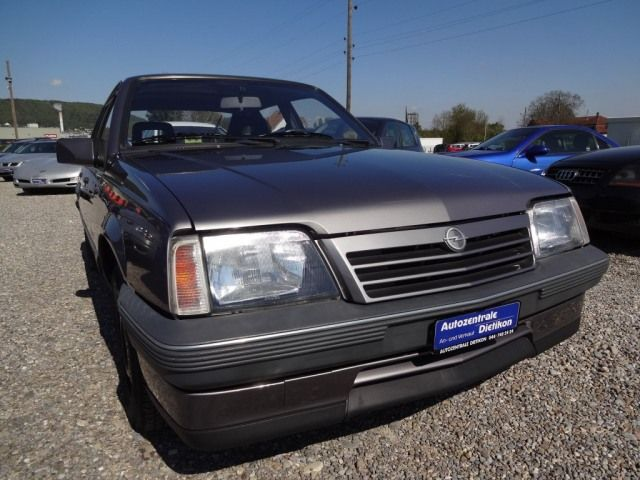OPEL Ascona 2000i Exclusiv, Petrol, Second hand/used, Automatic