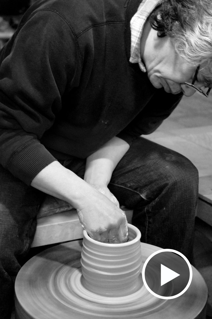 In 2007 we first visited the studio of internationally renowned Japanese potter Ken Matsuzaki to film the master at work. Watch him here.