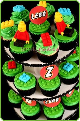 great Lego cupcakes for a boys birthday party - might have to figure out how to make one of these for D's birthday.