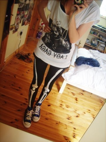 Skeleton Tights. Kind of want to make these on jeans.