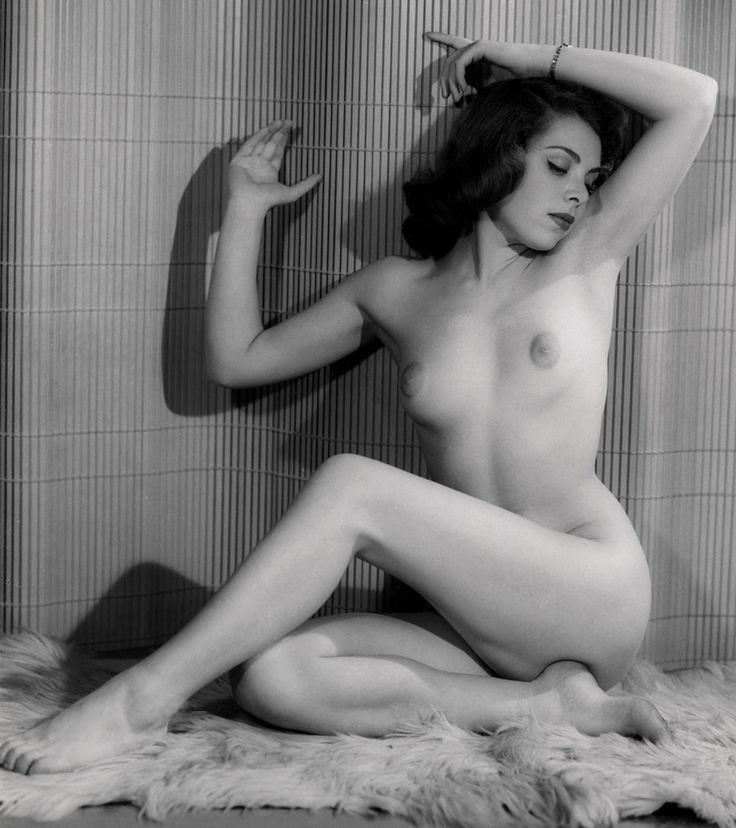 carli-banks-the-classic-nude