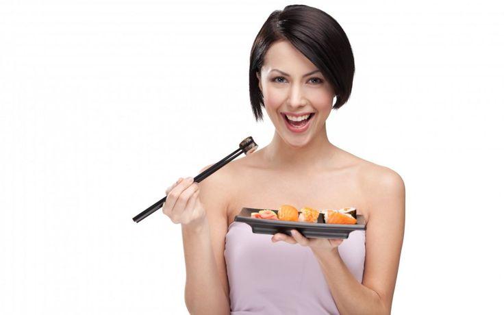 Японская диета http://sovjen.ru/yaponskaya-dieta  Японская диета относится к одному из самых быстрых способов снижения веса — до 7-8 кг за 14 дней. Несмотря на экзотическое происхождение, диета включает в себя привычные для нас продукты и не имеет ничего общего с рецептами японской кухни. Особенности диеты Специфика японской диеты заключается в строгой схеме питания, которую нельзя нарушать, заменяя продукты на ...