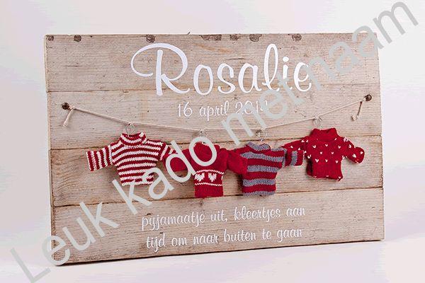 Decoratief geboortebord met geboortedatum, naam en een mooie tekst. Het bord is gemaakt van gebruikt steigerhout. Ieder bord is dus anders. Afm: ± 52,5 X 33,5 X3 cm.