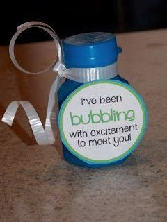 Such a cute idea for back to school! http://craftyteacher-devyn.blogspot.com/2013/08/first-day-of-school-gift-or-new-student.html