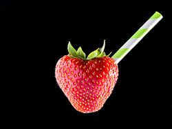 Anyone care for a Strawberry Smoothie? #foodie #drink #smoothie #strawberry #macro